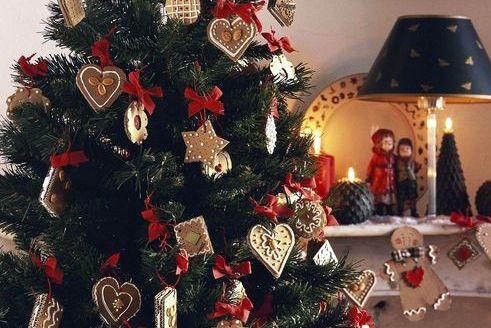 Biscotti Finti Per Albero Di Natale.4 Idee Per Decorare L Albero Di Natale